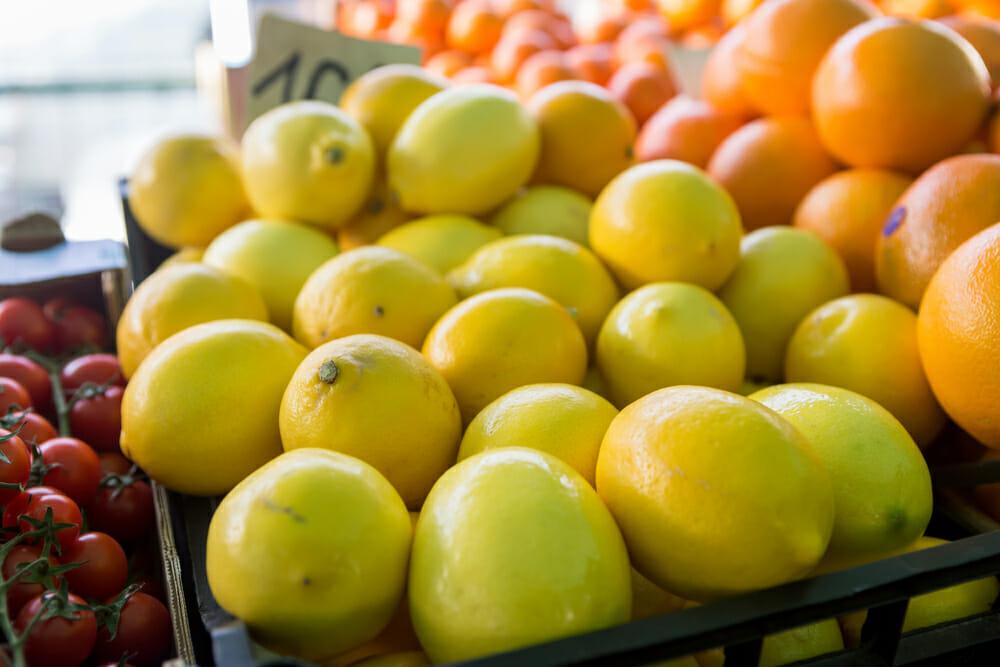 lemons and oranges at market